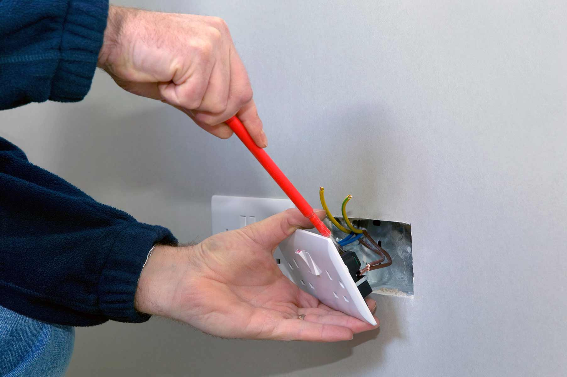 Our electricians can install plug sockets for domestic and commercial proeprties in Hadleigh and the local area.